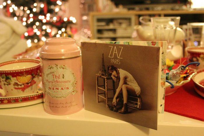 Relaxing Enjoying Life At Home :) Merry Christmas! Christmas Presents  Tea Time Zaz Listening To Music I Love Music Joyeux Noël**Marry Chrismas**Feliz Natal