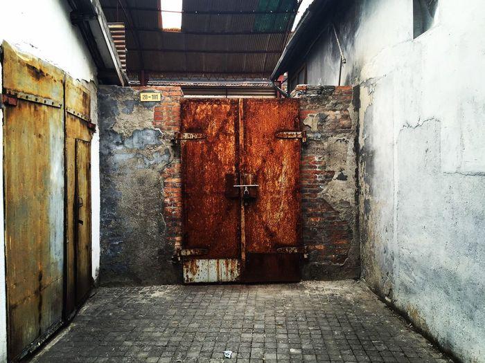 Door in Shanghai Art District M50