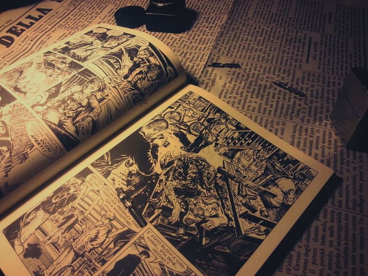 Reading Reading & Relaxing Reading Books Newspaper Black White Blackandwhite Dylan Dog Comics Ink Taking Photos Check This Out Vintage Photo Dark Art Vintage Passion