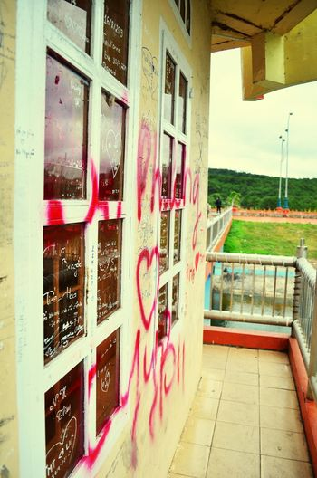 Grafitti in Da Lat Graffiti Pastel Power Vietnam Love