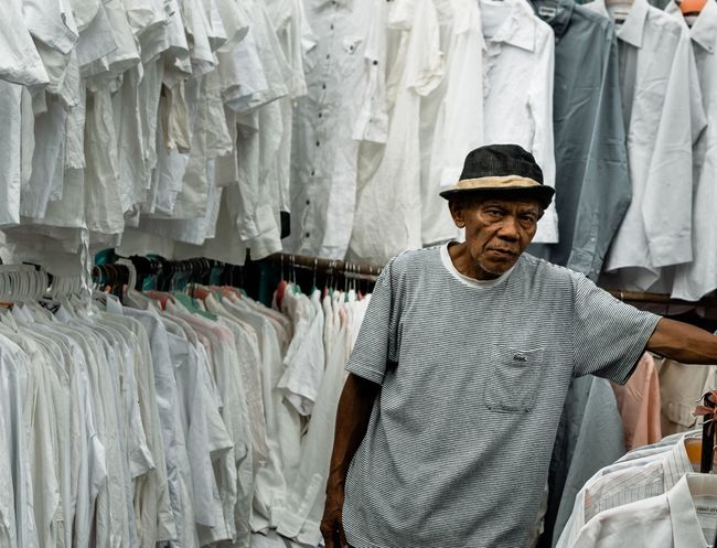 Do you see me smiling? Anaklosangeles Streetphotography Street Jakartapointofview Swag Raw One Man Only Only Men One Person Portrait Retail  Adult Adults Only Casual Clothing Front View One Mature Man Only Store Looking At Camera Men Standing People Cheerful Smiling Indoors  Day