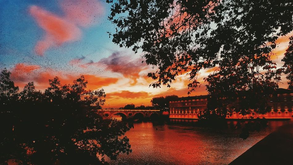 Un autre regard 👀 Sunset Water Peaceful View Mothernature Sky Cloudsporn Amazing Shadow Agameoftones Lovecity  Autumn Colors Pink Power Day PixterGrandAngle Pixter First Eyeem Photo