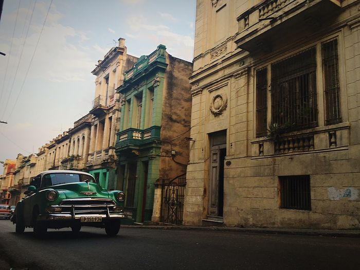 Por las calles de La Habana LaHabana Habana Havana Oldcar Tavocotatrip