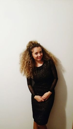 That's Me Throwback Girly Curly Hair PartyLook Myuniquestyle