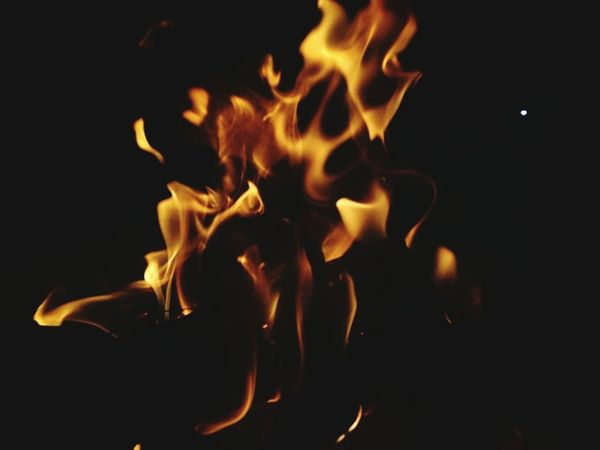 Black Background Flame Heat - Temperature Burning Fire Hot Abstract Abstract Photography Fogo Calor Quente