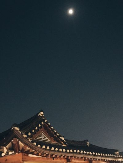 Night No People Moon Sky Korea Tradition Korea Photos Korea Daily Life Tradition Night Lights Nightshot Nightsky Awesome Loveit