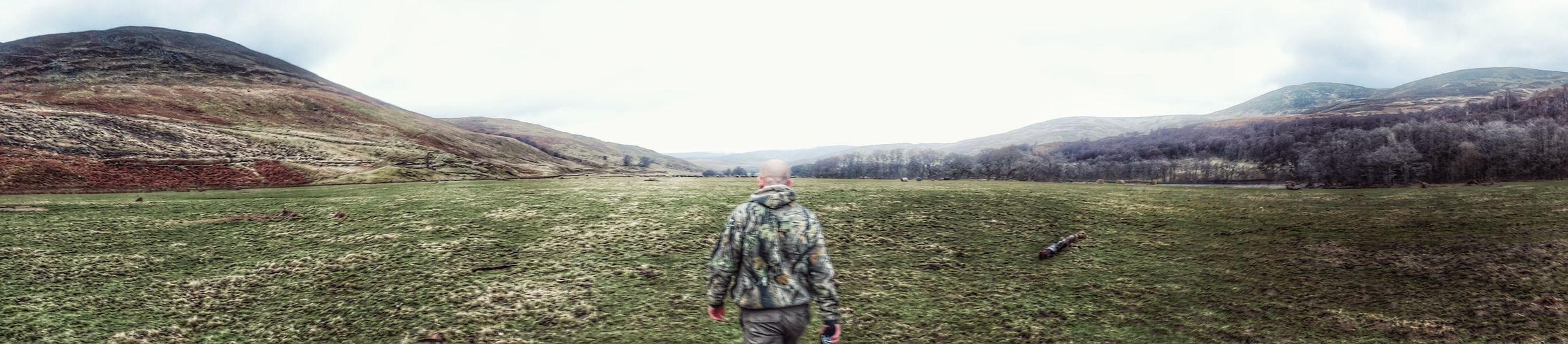 My dad photobombing a panorama of Edzell glens 😝 Photography Nature Wildlife Walk Longwalk Long Walk Sony Sony Camera