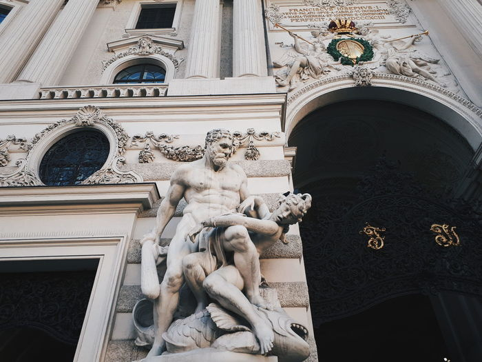 F I G H T Details Viennalove Vienna_city Viennacity Statue Building Exterior Built Structure No People Day Low Angle View Astrology Sign Outdoors Close-up