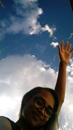 Yess, i can feel the Sky. Sky Cloud - Sky Headshot One Person God Is Great.