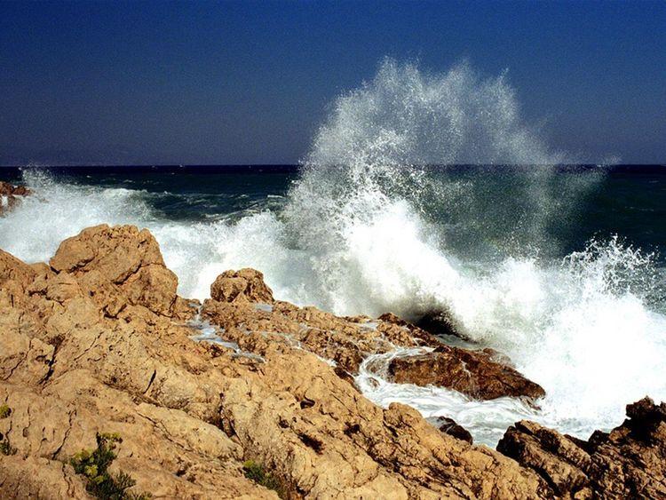 Les vagues du sud Vague Vagues Méditerranée Villefranche-sur-mer
