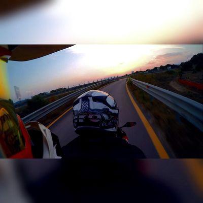 🌅 GSXR1000 Airoh Sunset Gopro Goprohero4 Ride First Eyeem Photo
