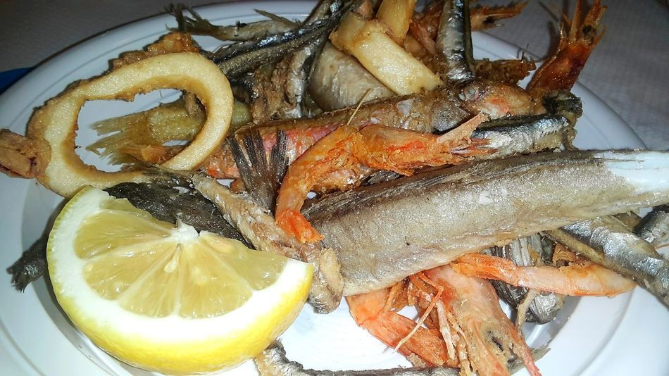 Food And Drink Healthy Eating Indoors  Food No People Freshness Close-up Multicolor Multi Colored Seafood Madness Seafood Dinner Seafood Lovers Seafish Seafoods SeafoodLover Seasalad Plate Salad Seafoodporn Seafoodplatter Multicolors  Shrimps Fish Fritturadipesce Multicolors