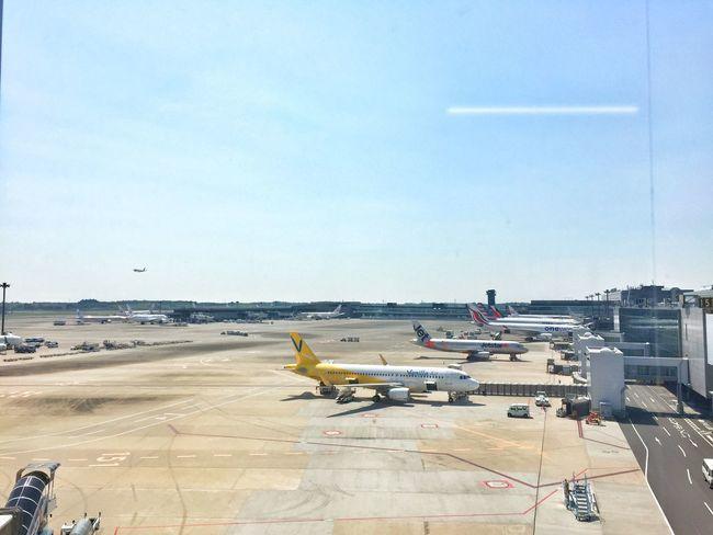 久しぶりの成田空港。 NARITAAIRPORT Narita Airport Japan Traveling Hello World Contrails Feel The Journey