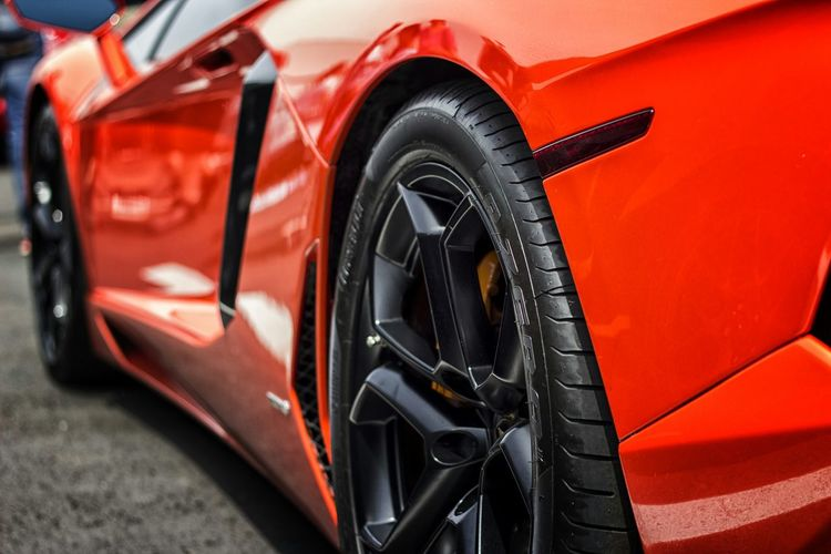 The gorgeous lines of the Lamborghini Hurucan.. Lamborghini Hot Cars Taking Photos EyeEm Best Shots Eye For Photography Exotic Cars Supercars EyeEm Masterclass Car Show