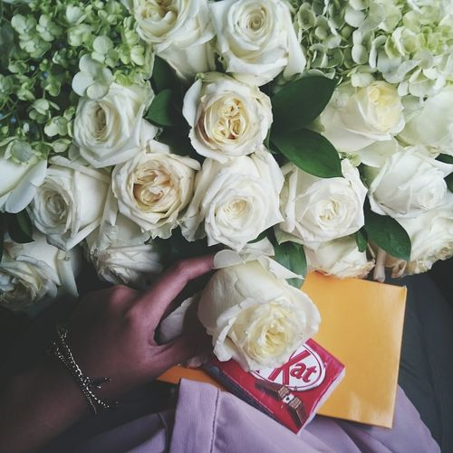 Things i love Kitkat White Roses Enjoying Life