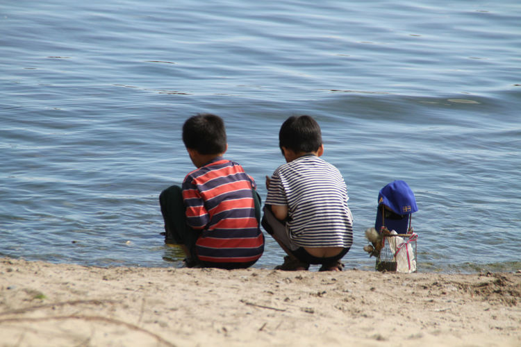 Kids Summer Lake View Blue Sky Water Back Two Kids Sand