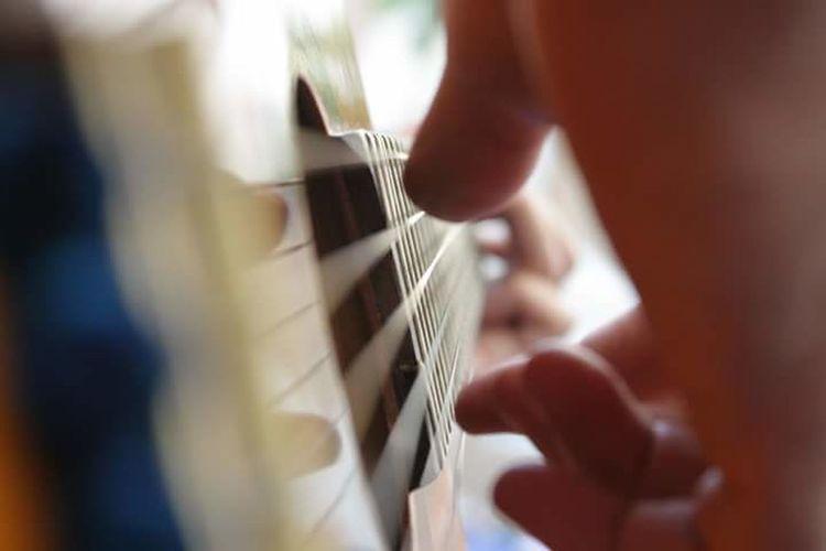 """Let's play something acoustic"" Acoustic Guitar Guitarra Guitarra Acustica EyeEm Eyemphotos Eyemphotography Eyemphoto Eyeem Guitar"
