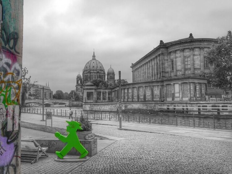 ampelmännchen, berlin...go green! Belong Anywhere Streamzoofamily Urban Escape Hello World