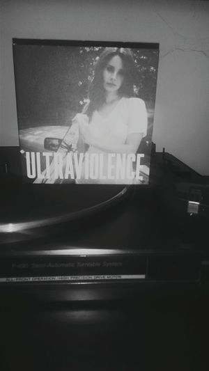 LanaDelRey Disco Vinile Balck And White ULTRAVIOLENCE Music