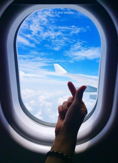 Window Travel Airplane Flying Journey Sky Cloud Heart Fluttering Fingerheart