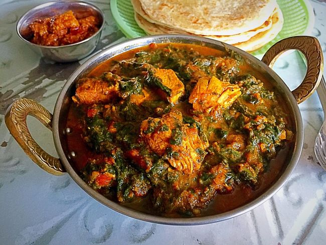 My Homemade Chicken and spinach curry Spinach Curry Chicken Curry served with Paratha and Mango Pickel Pickle Indian Curry Indian Food Indian Food At Its Best My Cooking Homecooked Homecooked Food Is Always Better Homecookedmeal Yummy Delicious Foodphotography Food Ready-to-eat