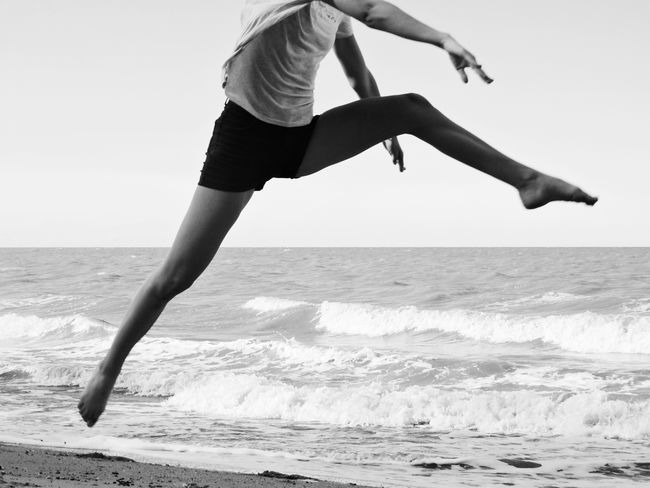 Welcome To Black Endurance Strength Young Healthy Healthy Lifestyle Sand Water Jumping Sports Sport Athletic Slim Woman Sportive Motion Vitality Athlete Mid-air Energy Lifestyles Beach Running Sprinting The Street Photographer - 2017 EyeEm Awards EyeEm Ready   Visual Creativity