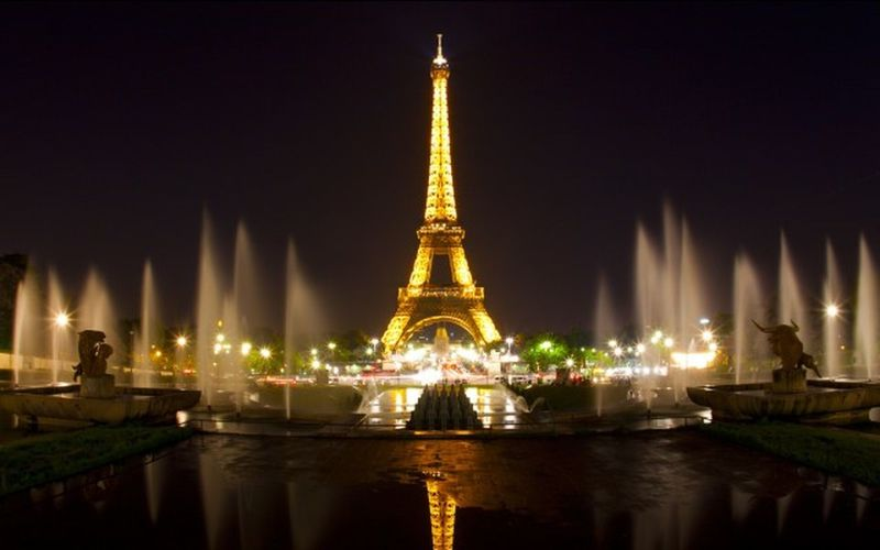 Today pictures is Paris light,so amazing i can take this beautiful picture. Follow me. Photoshots