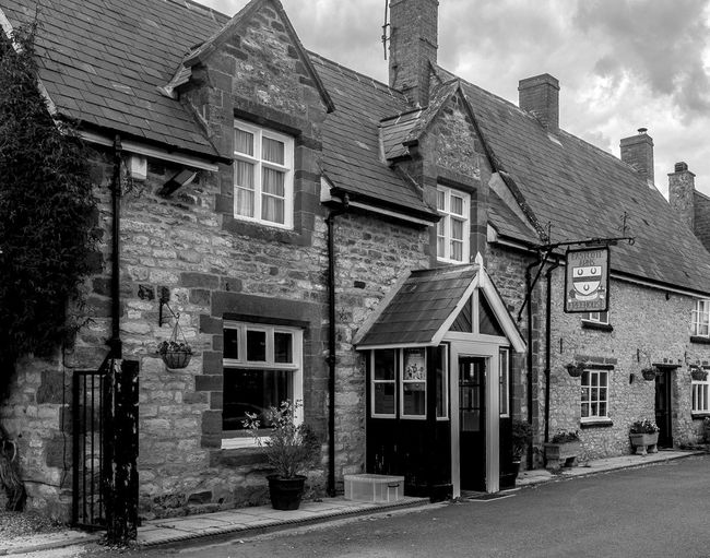 The Eastcote Arms, Eastcote, Northamptonshire Architecture Northampton Pubs Northamptonshire Black And White