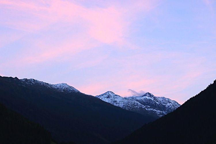Mountain Scenics - Nature Beauty In Nature Sky Snow Cold Temperature Mountain Range