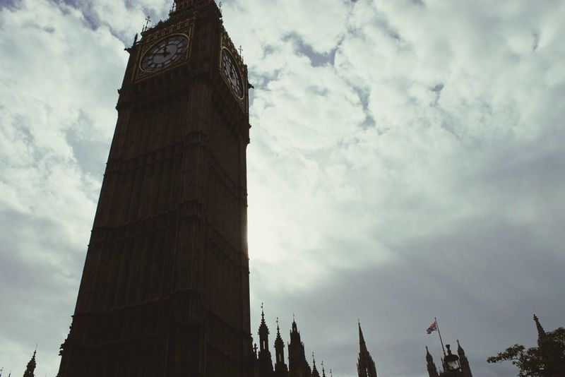 Big Ben London 43 Golden Moments England Showcase July Pivotal Ideas 2016 Juli Niklas Dramatic Angles Embrace Urban Life Miles Away The City Light BYOPaper! Neighborhood Map The Architect - 2017 EyeEm Awards Place Of Heart EyeEm LOST IN London EyeEm Selects The Week On EyeEm Your Ticket To Europe Been There. Postcode Postcards Colour Your Horizn