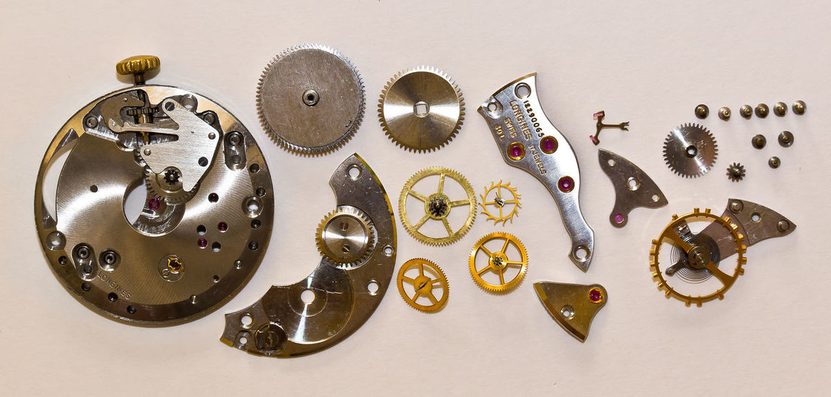 Orologio Vintage Pocket Watch Close-up Disassembled Large Group Of Objects No People Orologio Meccanico Orologio Smontato White Background