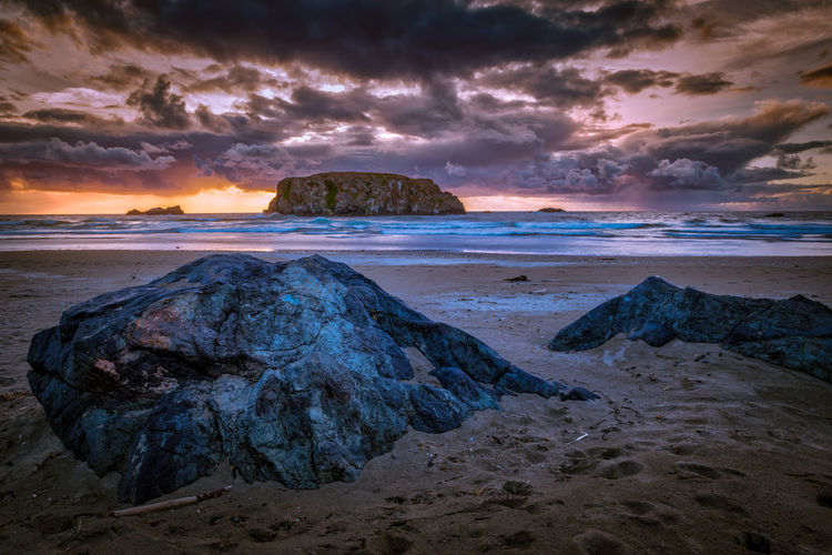 Sunset at the Oregon coast with Table Rock in the background Bandon, Oregon Seascape Photography Table Rock Bandon Beach Beauty In Nature Cloud - Sky Horizon Horizon Over Water Land Nature No People Outdoors Rock Rock - Object Rock Formation Scenics - Nature Sea Seascape Seascapes Sky Sunset Tranquil Scene Tranquility Water