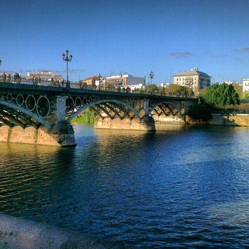 PuenteTriana PuenteIsabelII Sevilla Sevillahoy