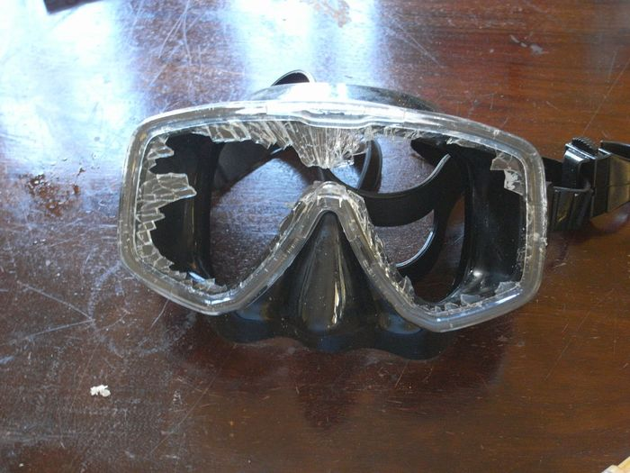 smashed! Cracks In Glass Dive Mask Black Broken Glass Close-up Rough Force