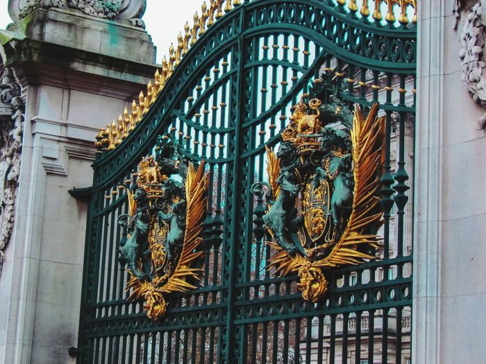 Buckingham Palace gate City Fame Multi Colored Window History Ornate Architecture Sculpture Human Representation Palace Architectural Feature Architectural Design Architectural Detail