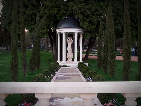 Aphrodite Sculpture Garden Secret Garden Beautiful Nature Seductive Goddess Garden Architecture France