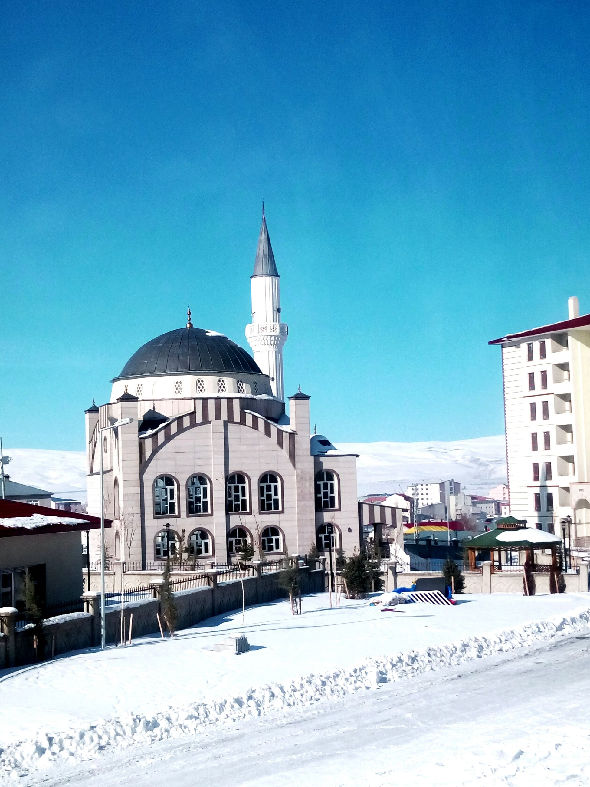 snow, winter, cold temperature, architecture, built structure, building exterior, religion, outdoors, dome, blue, spirituality, nature, sky, place of worship, day, clear sky, no people, city