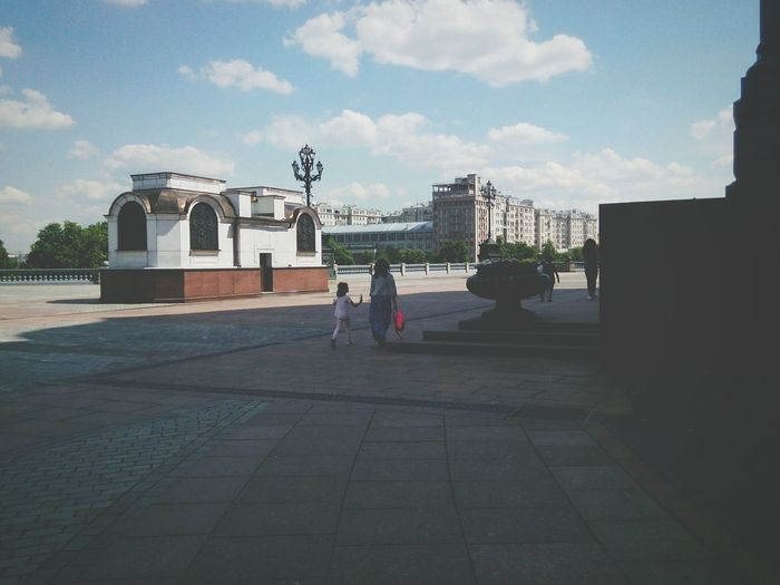 Mom And Daughter ХрамХристаСпасителя Family Sunlight Moscow Hello World Check This Out Enjoying Life