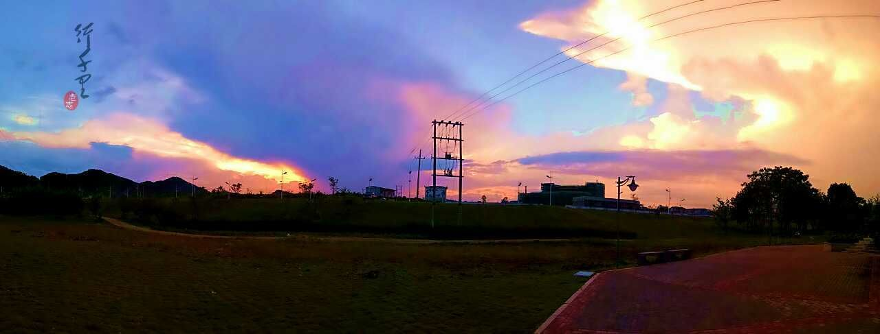 行千里 Cloud - Sky Fuel And Power Generation Dramatic Sky Sky Sunset Electricity  Multi Colored Silhouette Outdoors Storm Cloud Technology Night Tree Landscape Electricity Pylon No People Architecture Nature Oil Pump