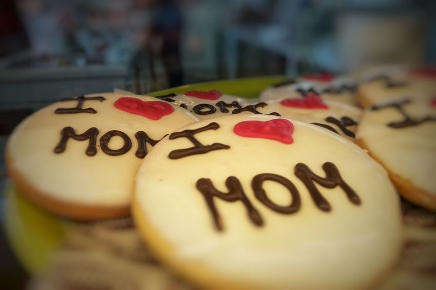 cookies for mother's day Love Heart Heart Shape Cookies Food Sweet Sweet Food Mom Mother's Day Cookies Communication Text Close-up Capital Letter Pastry Love Lock Gingerbread Cookie Candy Heart I Love You Written Handwriting