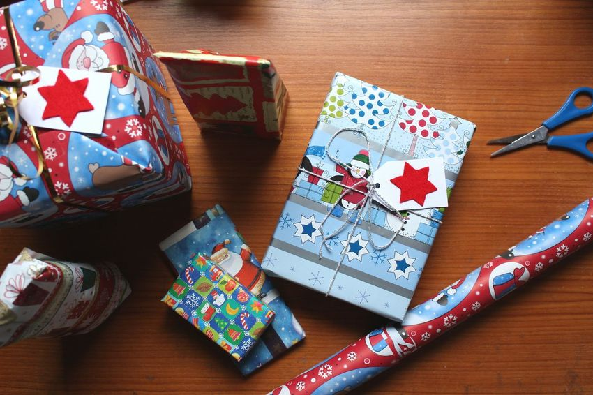- christmas presents - Handmade For You No People Indoors  Day Close-up Christmastime Homemade Colorful Christmas Preparations Handmade Gifts Desks From Above Christmas Presents  Present Handmade At Home Holiday Season Christmas Gift Packaging Wrapping Presents