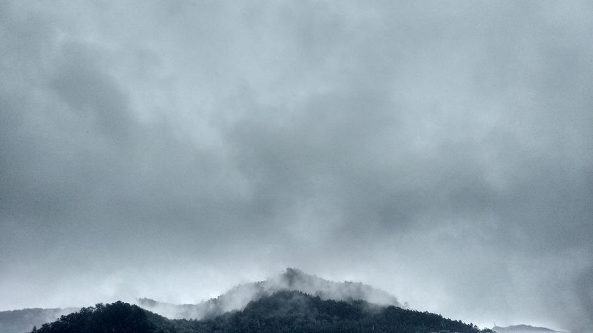 Bogotacity Bogotá Bogota. CerrosOrientales Nubes Cielo Y Nubes  Lluvia Gris Sky Rainy Day Clouds Fog Photooftheday Photo Foto