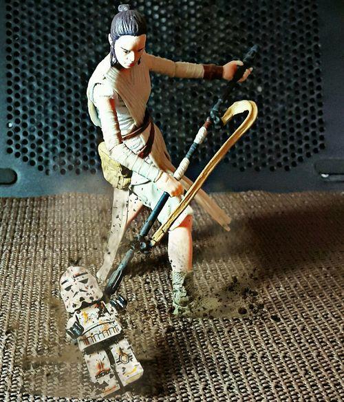 Syuuuuuuuh ... !! Toys Action Figures Toygallery Actionfigurephotography Toygroup_alliance Starwarstoyfigs Rey Starwars Starwarstoys Starwarstheforceawakens LEGO Stormtrooper