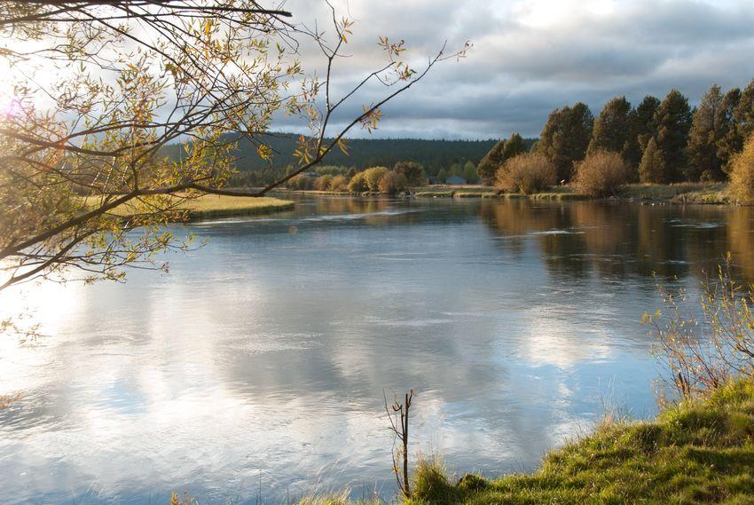 Miles Away No People River Water Deschutesriver  Oregon Beauty