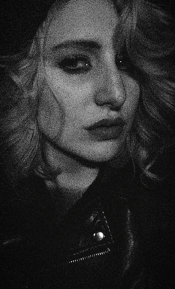 Blonde Girl Lipstick Red Lips Girlswithtattoos Cute Selfie ✌