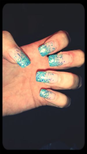 naglarna fixade. Naglar Blue Nails Glitter