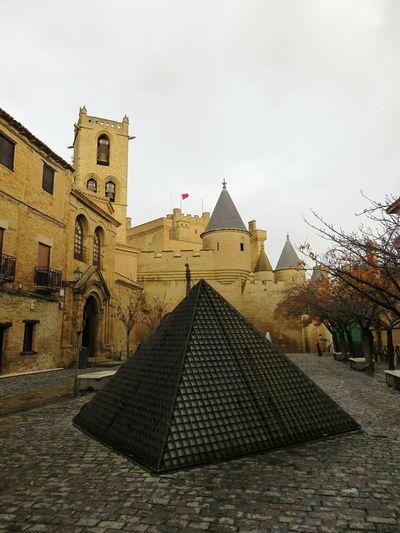 Olite Spain Village Castles Grey Sky Pavement Piramide
