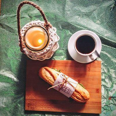 Wiadomo, kawa to podstawa! Ale ważne jest też to, aby zjeść pożywne śniadanie - dlatego zapraszamy do Kawy Rzeszowskiej o poranku na solidną dawkę energii na resztę dnia. Zapraszamy do Kawy Rzeszowskiej w podwórze ul.Kościuszki 3. Kawasamasięniezrobi Kawarzeszowska . Goodfood Slowlife Rzeszów Rzeszów Coffee Coffeetime Barista Aeropress Mobilnakawiarnia Kawa Instamood Instagood Instalove Instacoffee Igersrzeszow Kawarzeszowska Coffebreak Coffeetogo Coffeelove Love Photooftheday Happy Bestoftheday instamood herbata kawasamasieniezrobi kawarzeszowska kawiarnia sniadanie zestawobowiazkowy