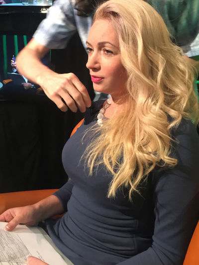 TV presenter is preparing to shoot a TV program. At Work Interview Interview Record TV Program Beautiful Woman Blond Hair Businesswoman Businesswomen Indoors  Lifestyles Long Hair Look One Person Preparing Presenter Ready To Start Real People Shooting Tele Television Tv Presenter 🎥 Young Adult Young Women
