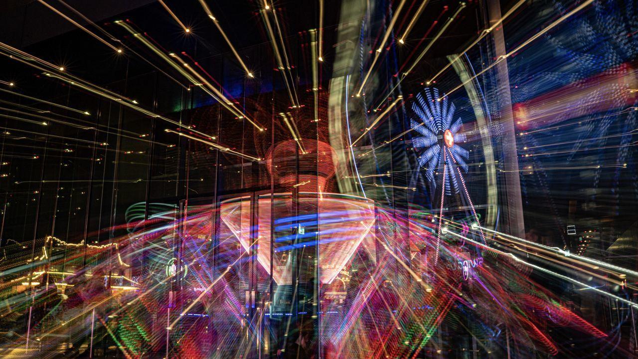 DIGITAL COMPOSITE IMAGE OF ILLUMINATED LIGHT TRAILS